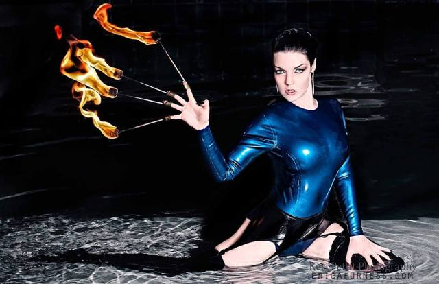 ericafurness_freakshow_fireperformer001
